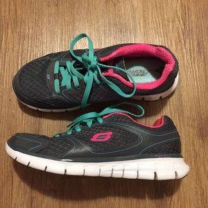 Skechers Women's Sneakers. Size 7.5